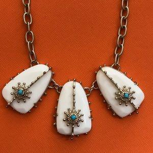 Kendra Scott Greta necklace